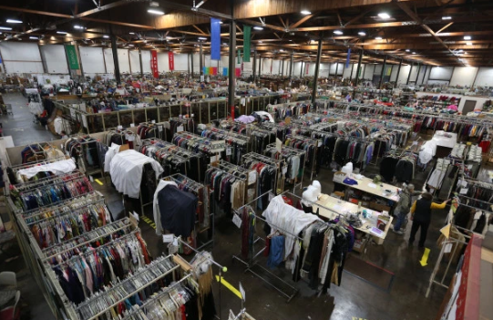 EXPERIENCE OAKLAND: CHECK OUT THE ANNUAL WHITE ELEPHANT SALE